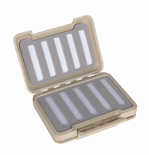 Plastic Transparent Magnetic Foam Design Inserted Into Fly Fishing Box